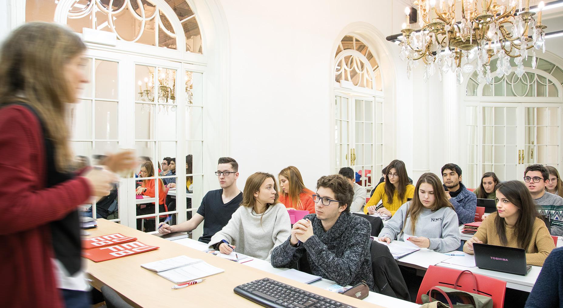Impulsamos <br /> tu sueño | Escuela Universitaria Formatic Barcelona